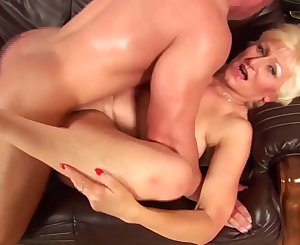 busty 72 years old mom first fisting lesson