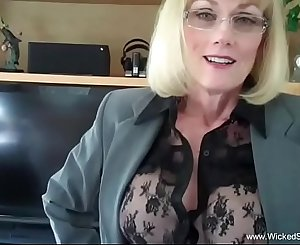 Nasty Hookup Time With Amateur Granny